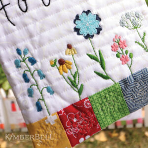Mini Wall Hangings: Happy Home, Sewing